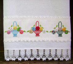 Cross Stitch Embroidery, Cross Stitch Patterns, Borboleta Crochet, Swedish Weaving, Mini Quilts, Hobbies And Crafts, Textile Art, Hand Stitching, Needlework