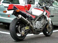 Yamaha FZ 750 1985 japon Motos Yamaha, Yamaha Fz, Yamaha Motorcycles, Cars And Motorcycles, Scrambler, Ducati, Vintage Bikes, Vintage Motorcycles, Yamaha Super Bikes
