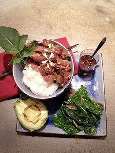 Spicy Mexican Asian Ahi Poke (Tuna) Rice Bowl - A fabuloso #fusion dish that couldn't get any better ¡MMMMMMM qué sabor! #mexicanfood laspalmassauces.com