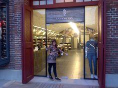 La Dolfina Shopping Distrito Arcos Buenos Aires. Arq. Ruth Jaitt Mail : arqjaitt@hotmail.com Doors, Architecture, Gate