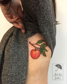 tattoo, ink, apple, color, leaves, feuilles, fruit, submission, greenpoint, brooklyn, newyork