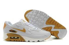 New Mens Nike Air Max 90 Trainers White/Golden Discount New Nike Shoes, Nike Free Shoes, Buy Shoes, Men's Shoes, Air Max 90 Hyperfuse, Air Max Sneakers, Sneakers Nike, Cool Trainers, Air Max 90 Black