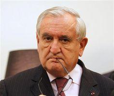 """Raffarin voit une """"menace de chienlit"""" peser sur la France - http://www.andlil.com/raffarin-voit-une-menace-de-chienlit-peser-sur-la-france-112721.html"""