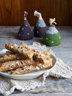 BRUNE PINNER - julekalender dag 4 - Mat På Bordet Christmas 2019, Christmas Diy, Holiday Recipes, Biscuits, Cereal, Food And Drink, Cheese, Baking, Breakfast