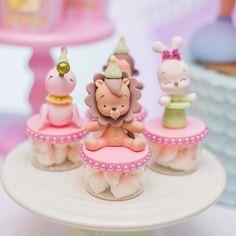 pumpkin mug cake Circus Birthday, First Birthday Cakes, Fondant Toppers, Fondant Cakes, Surprise Cake, Fondant Animals, Bento Recipes, Fondant Decorations, Cute Clay