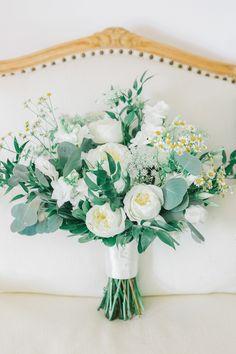 Laura_Rose_Weddings_Romantic_Upstate_NY Wedding_Photography_redbarn20_at_windridge_estate_cazenovia_central_new_york_wedding_photography2