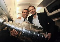 Steve Yzerman & Nick Lidstrom on the plane.