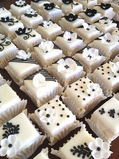 Black and white petit fours for a wedding at Zorgvliet wine farm in Stellenbosch. These petit fours also makes delicious wedding favours. Tea Cakes, Cupcake Cakes, Cupcakes, Fancy Cakes, Mini Cakes, White Desserts, Little Cakes, Small Cake, Baby Shower Cakes