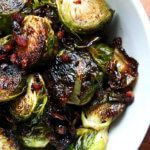 Ina Garten's Balsamic Brussels Sprouts Ina Garten's balsamic roasted Brussels sprouts with pancetta Roasted Sprouts, Sprouts With Bacon, Roast Recipes, Fall Recipes, Sprout Recipes, Eat Fat, Brussels Sprouts, Stuffed Peppers, Vinegar