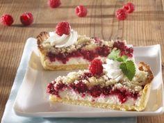 Recept na: Malinový koláč s tvarohem. K vaření potřebujete především hrubá mouka, krupicový cukr, rostlinný tuk Hera, smetana ke šlehání. Příprava pokrmu vám zabere 75 minut. Czech Recipes, Sweet Pie, Schaum, Pavlova, Something Sweet, Sweet Recipes, Baking Recipes, Raspberry, Cheesecake