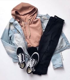 casual outfits for teens Cost is another factor that should be taken into consideration when choosin Cute Teen Outfits, Teenage Girl Outfits, Cute Comfy Outfits, Girls Fashion Clothes, Teenager Outfits, Teen Fashion Outfits, Mode Outfits, Retro Outfits, Outfits For Teens