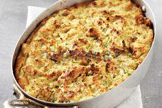 Πανεύκολη κολοκυθόπιτα (Kolokithopita: Zuchini pie with anthotiro)