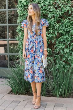 Merrick's Art   DIY Floral Midi Dress with Fabric from @RiflePaperCo #DIYFriday #sewing