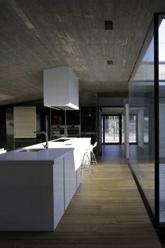 concrete kitchen  Nos gusta la arquitectura. http://www.hogaria.mx