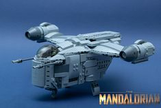 The Mandalorian TV Series introduces us to the Razor Crest, a new ship for the Star Wars universe brought to life in LEGO-form by Michał M. Lego 4, Cool Lego, Lego Mandalorian, Star Wars History, Star Wars Ships, Lego Design, Lego Models, The Brethren, Design Language
