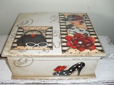 Caixa para bijouterias/bijouteria Painted Boxes, Wooden Boxes, Candy Crafts, Paper Crafts, Altered Cigar Boxes, Decoupage Box, Craft Box, Keepsake Boxes, Vintage Wood