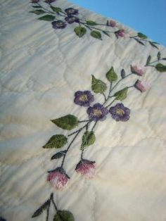 Love the Lavender; Embroidery heather florals ~ in a vintage cotton quilt! Bid is under $51! Don't lose this one! Perfect addition to any Victorian home decor!