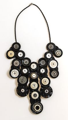 Robin Ayres – Bib necklace made from antique bakelite buttons
