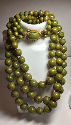 Vintage 58 Olive Green Bakelite Bracelet;  Octagon Shape; Very Cool Diamond Faceted Design!!