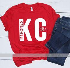 Put Superbowl 2020 in the letters Chiefs Football, Football Shirts, Football Moms, Nfl Jerseys, Kansas City Chiefs Shirts, Kansas City Royals, Vinyl Shirts, Tee Shirts, Chiefs Logo