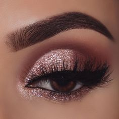 Colourpop is always here to bring the bling ✨ how many sparkles would you rate this gorgeous eye look! - Wearing: super shock eyeshadow in… Cute Makeup Looks, Makeup Eye Looks, Eye Makeup Steps, Gorgeous Makeup, Perfect Makeup, Gold Eye Makeup, Eye Makeup Art, Eyeshadow Makeup, Sparkle Eye Makeup