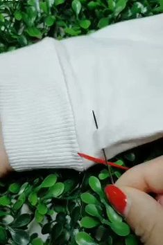 Sewing Art Sewing Tools Sewing Tutorials Sewing Hacks Sewing Patterns Sewing Projects Sewing Techniques Techniques Couture Learn To Sew Techniques Couture Sewing Hacks Sewing Crafts Sewing Projects Embroidery Stitches Embroidery Designs Needle And Thread Sewing Stitches, Embroidery Stitches, Hand Embroidery, Sewing Patterns, Embroidery Tattoo, Crochet Stitches, Embroidery Patterns, Sewing Hacks, Sewing Tutorials
