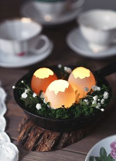 """dreamers-house: """"Pin by ☮~ Salomien Louw ~☮ on ☮~ B☮hemian Nest/Crib ~. dreamers-house: """"Pin by ☮~ Salomien Louw ~☮ on ☮~ B☮hemian Nest/Crib ~☮ Easter Dinner, Easter Table, Easter Eggs, Easter Crafts, Holiday Crafts, Easter Decor, Ostern Party, Decoration Evenementielle, Tumblr Food"""