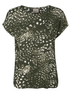 Cool printed t-shirt from VERO MODA. Style with sweats or  denim jeans.