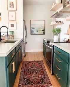 Modern Bohemian Kitchen Designs - Interior D. Modern Kitchen Design, Interior Design Kitchen, Interior Decorating, Küchen Design, Home Design, Design Ideas, Green Kitchen Decor, Bohemian Kitchen Decor, Bohemian Decor
