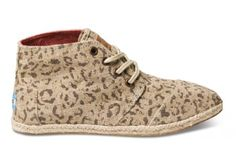 Snow Leopard Women's Desert Botas   TOMS. I'm not gonna lie. I kinda want these.
