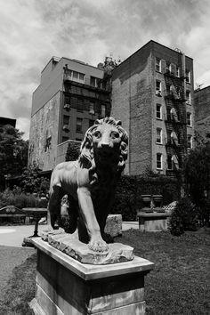 Lion King Lion Sculpture, Nyc, King, Statue, New York, Sculptures, Sculpture