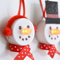 """These tea light snowman ornaments are really easy to make and they look ADORABLE! Turn on the tea light and the """"flame"""" becomes the snowman's carrot nose! Kids Crafts, Christmas Crafts For Kids, Homemade Christmas, Simple Christmas, Holiday Crafts, Crafts Cheap, Cheap Christmas, Christmas Ideas, Christmas Games"""