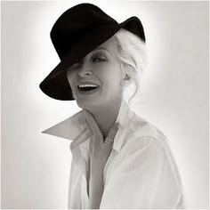 Carmen Dell'orefice; world's oldest working model...and smokin' hot!