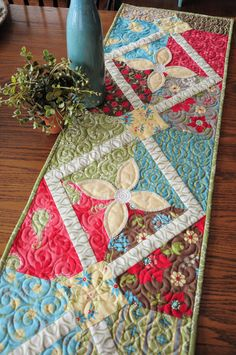 Poinsettia Table Runners And Runners On Pinterest