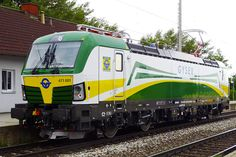 Trains and locomotive database and news portal about modern electric locomotives, made in Europe. Rail Train, Bonde, Electric Locomotive, Bahn, Railroad Tracks, Journey, World, Railings, Europe
