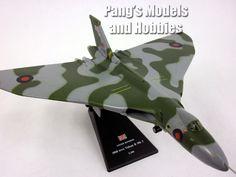 Avro Vulcan British Bomber 1/144 Scale Diecast Metal Model by Amercom