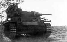 Panzerbefehlswagen mit 5 cm KwK L/42 Vorpanzer (Sd.Kfz. 141)   Flickr - Photo Sharing!