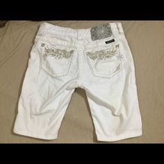 """Miss Me White Capri's.  Sz 25.  Cute❗️ Check out these white Miss Me Capri's.  Sz 25.  Waist 13"""". Inseam 9.5. Rise 7"""". They have some rhinestones on the pockets. Miss Me Pants Capris"""