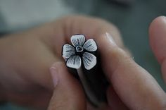 Flower cane (in french, but good pix). #polymer #clay #tutorial