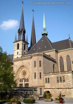 #Cathédrale Notre-Dame dans la ville de #Luxembourg                                                                                                                                                                                 Plus