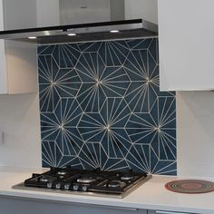 Hexagonal size: 20 x 23 cm. Sold in full boxes of 18 tiles = sqm. Kitchen Splashback Tiles, Kitchen Tiles Design, Kitchen Interior, Home Interior Design, Eclectic Kitchen, Tiles Uk, Cement Tiles, Katie Homes, Contemporary Tile