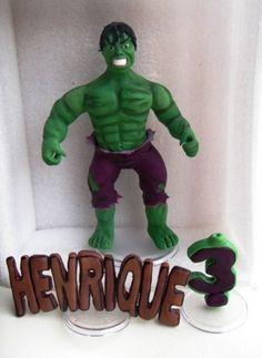 topo de bolo incrivel hulk , produzido em biscuit , acompanha nome do aniversariante e o numero .