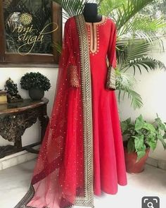 Order contact my whatsapp number 7874133176 Indian Gowns Dresses, Pakistani Dresses, Indian Wedding Outfits, Indian Outfits, Designer Anarkali Dresses, Designer Dresses, Dress Indian Style, Indian Designer Suits, Kurti Designs Party Wear