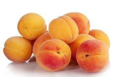 How to Prune Apricot Fruit Trees
