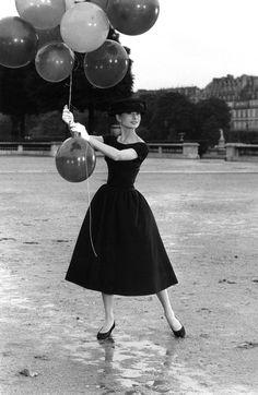 Audrey Hepburn during the filming of Funny Face, Tuileries Garden, Paris by David 'Chim' Seymour on artnet Auctions icon, pari, audrey hepburn, black white, wedding photos, funny faces, little black dresses, balloon, garden