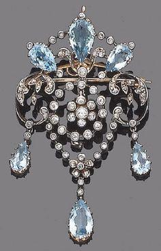 A belle époque aquamarine and diamond brooch/pendant, circa 1910 Edwardian Jewelry, Antique Jewelry, Vintage Jewelry, Bijoux Art Nouveau, Jewelry Accessories, Jewelry Design, Aquamarine Jewelry, Aquamarine Pendant, Diamond Pendant