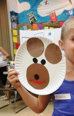 Teddy Bear Craft for preschoolers - Cutting out circles