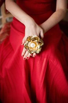 """clubmonaco: """" """" Holiday Dress """" Mad Men costume designer Janie Bryant knows how to dress with holiday cheer! This incredible vintage ring and red gown made jaws drop on set. Elegant Christmas, Red Christmas, Magical Christmas, Christmas Colors, Christmas Wedding, Club Monaco, Red Gowns, Vintage Roses, Shades Of Red"""