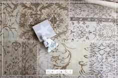 Einfach schön ... #Patchwork in dezenten Naturfarben! Carpets, Vintage, Scrappy Quilts, Natural Colors, Simple, Nice Asses, Farmhouse Rugs, Rugs, Vintage Comics