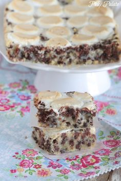 Marshmallow Chocolate Chip Shortbread Magic Bars - Picky Palate #recipe #dessert